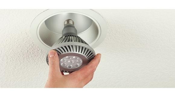لامپ ال ای دی یا لامپ کم مصرف؟